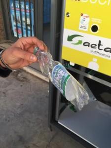 gaeta mangia bottiglie